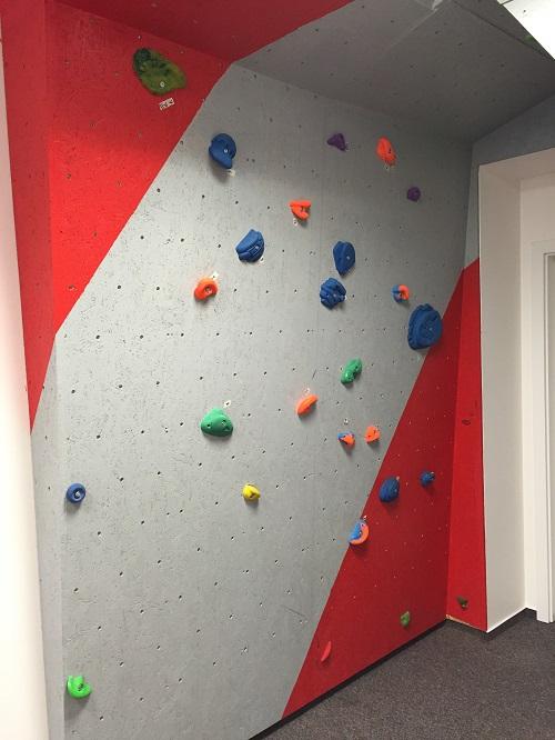 Lezecká - boulderingová stěna